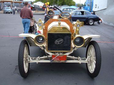 1920px-1913_Ford_Model_T_Speedster_front.JPG