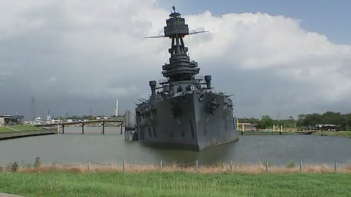 2087819_battleship-tilting.jpg